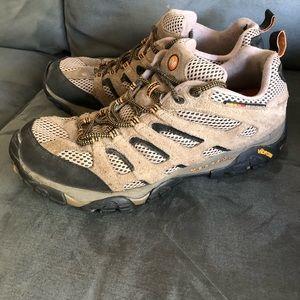 Men's Merrell Outdoor shoe. Sz 12.
